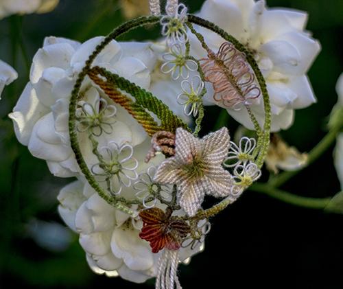 Анна Краузе кулон с цветами