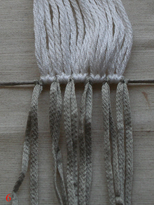 mounting threads for mouse macrame