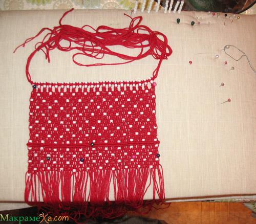 под красные лаковые туфли обязательно должна быть красная лаковая сумка